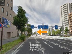 大須観音を右手に見ながら金 山方面へ直進。伏見通りと大 須通りの交差点「西大須」で 鶴舞方面へ左折